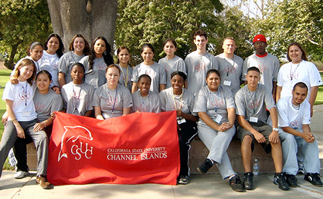 Group photo of the 2004 EOP students.