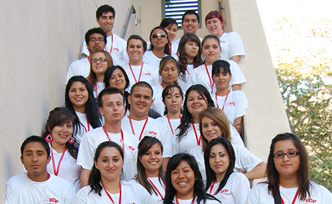 Group photo of the 2009 EOP students.