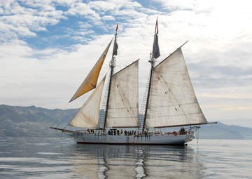 Bill of Rights tall-ship schooner sets sail